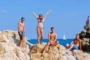 Strand-spass-klippenspringen-jugendauslandsaufenthalt