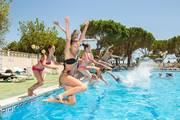 Pool-camping-calella-partycamp